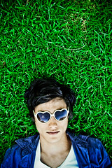 II (Xiangk) Tags: portrait green grass sunglasses self heart shaped shades