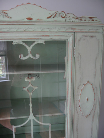 China Cabinet detail top