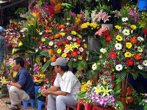 Hey, lady, wanna buy a flower arrangement?