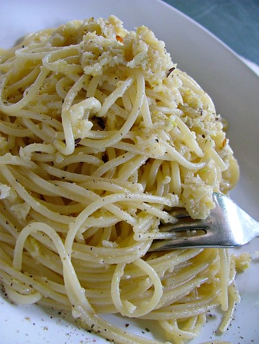 pasta with cauliflower pesto
