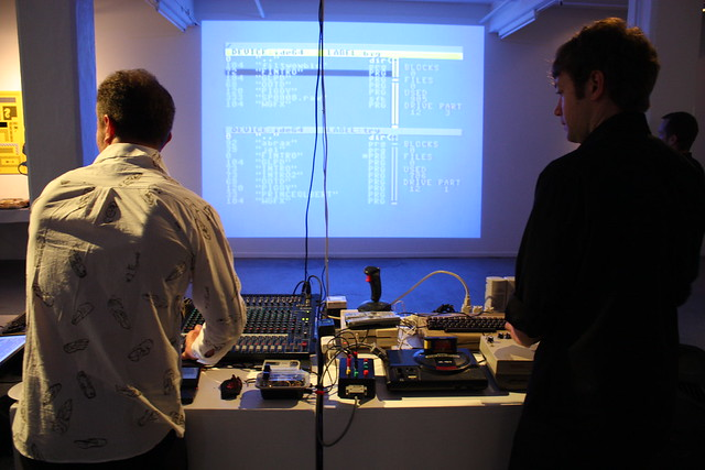 Playlist : Live performance by Tonylight & noteNdo (iMAL.org)