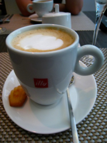 Illy Coffee Latte @ Pamplemousse