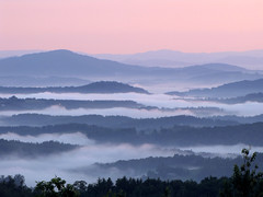 Morning Mist (BlueRidgeKitties) Tags: sunrise northcarolina blueridgeparkway appalachianmountains westernnorthcarolina southernappalachians ccbyncsa canonpowershotsx10is mountjeffersonoverlook