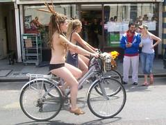 WNBR Brighton 2010: Girls on bikes