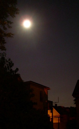 Full Moon at Midnight, Aug 28, 2007