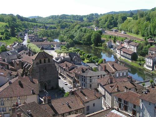Villes et villages de charme du Cantal 1297471600_0d8c65375b