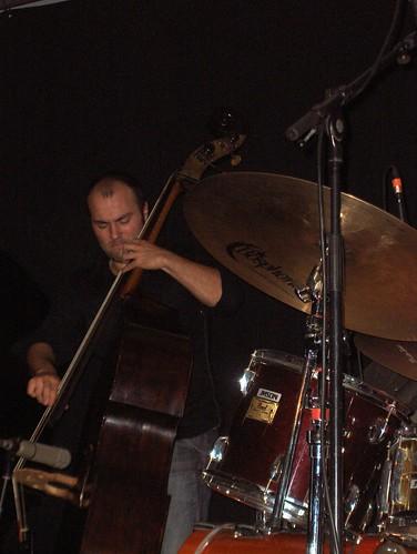 Frank Woeste Trio à Montlouis : sul ponticello