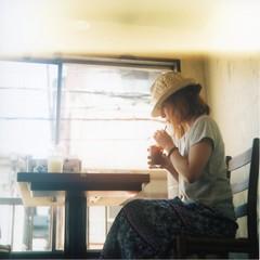 relax (chara*coco*) Tags: 120 6x6 girl cafe friend fuji twinlensreflex flexaret koenji pro400h