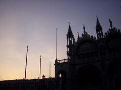 Tramonto Veneziano (Grabby Walls) Tags: world travel venice sunset italy atardecer italia tramonto places venezia viaggi viaggio veneto viaggiare grabbywalls