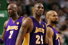 BALL HOG KOBE BRYANT SCORES 38 POINTS AS THE LAKERS LOSE TO THE CELTICS