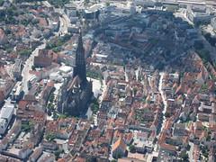 Altstadt und Münster Ulm (pilot_micha) Tags: city church germany bayern deutschland d kirche stadt altstadt ulm ul münster luftbild tübingen airview badenwürttemberg münsterplatz evangelisch aerialpicture airpicture