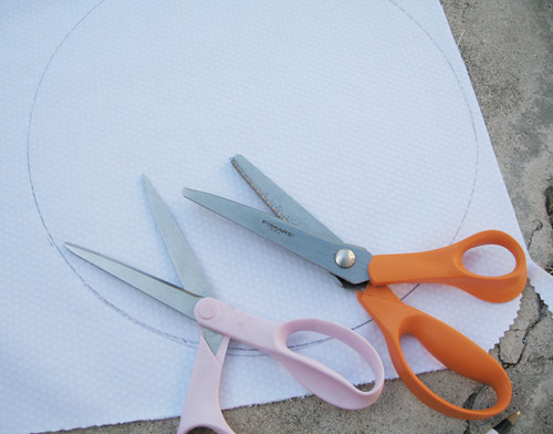 making placemats+tracing circle+coasters+footie pajama material+baby shower ideas-1