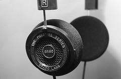 полутворени слушалки
