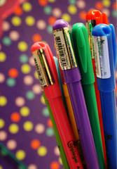 {Friends Color Your Life} (S) Tags: friends 2 color love colors pen cherry ana friend you d kisses u xp p pens xd luvs adoodi zenooh a7ibcherry