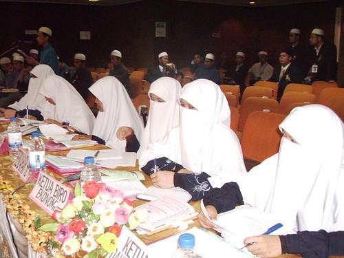 Ladies in purdah(display only) by -W@N @L!-.
