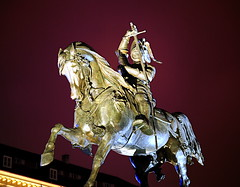 Caval d'brns=Bronze Horse (Mat_iuj) Tags: statue night torino piazzasancarlo cavaldbrns