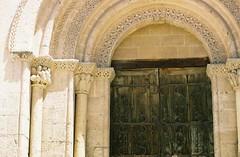 una puerta bonita