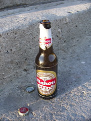 Beer:  Alicante, Spain (barberdavidm) Tags: espaa beer bottle spain alicante mahou beerbottle costablanca alacant spanishbeer
