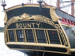 HMS Bounty at Derry Quay (Burkazoid) Tags: ship quay londonderry pirate piratesofthecaribbean derry hmsbounty