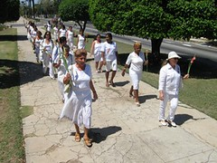 marcha-damas-de-blanco-4-de-abril