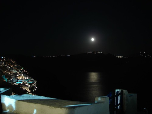 Full Moon above Fira