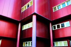 Some red Volumes (FRandaLUZ) Tags: red abstract color colors architecture modern nikon geometry couleurs minimal nikkor coolest catchy couleur guille cartuja geometrie volumes d80 blackribbonbeauty abstractartaward frandaluz