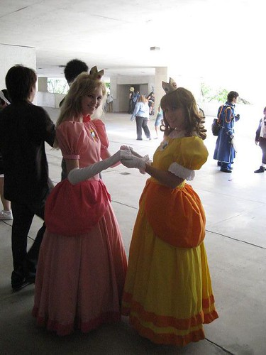 princess peach and bowser doing it. +peach+and+daisy+doing+it