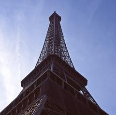 honey-58 (P.H--Jack) Tags: street paris france tower europe honeymoon hasselblad  f28 cf planar  80mm  hassy