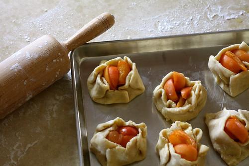 How To Make Apricot Crostatas