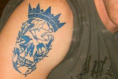 LIBERDADE_1 (cklockwork) Tags: birds tattoo illustration death skull freedom design drawing crown arrow seta coroa passaros franciscofreitas liberdale