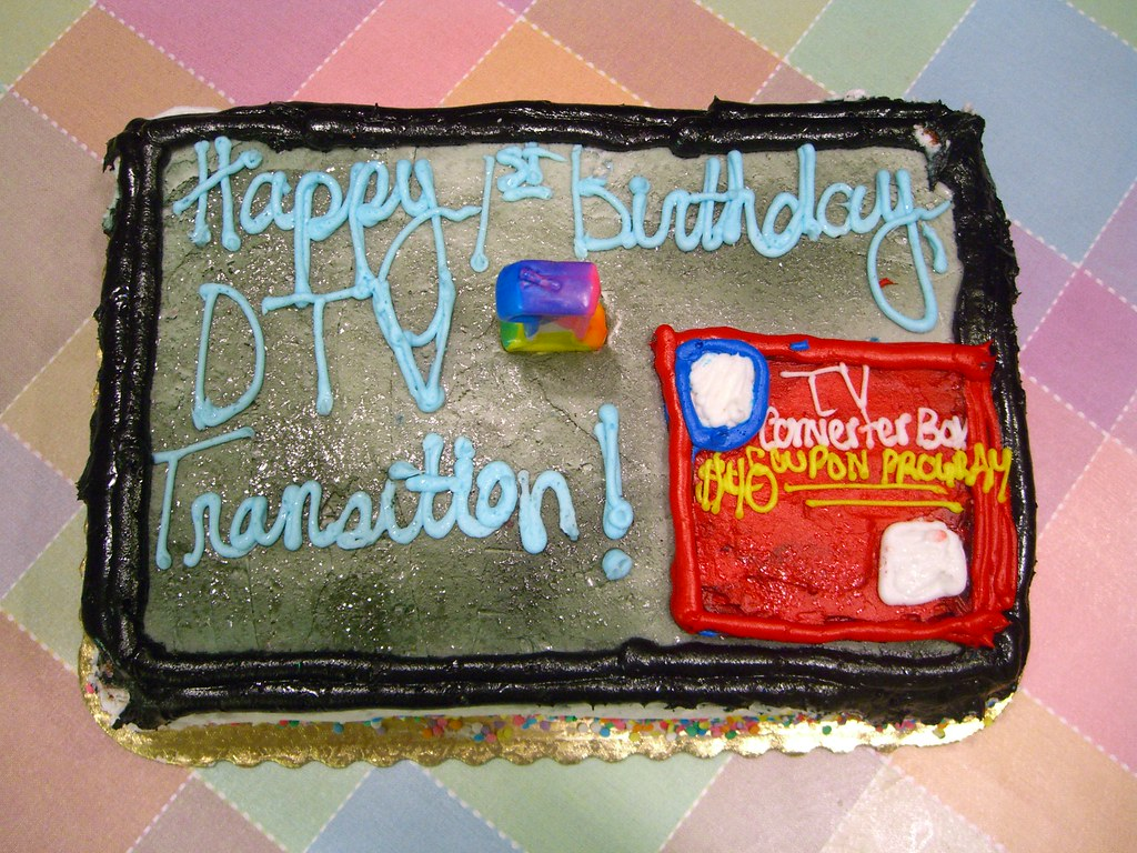 Happy Birthday, DTV Transition!--Cake New, much-IMPROVED TV-shaped version! (1)
