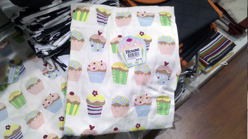 cupcake apron at house