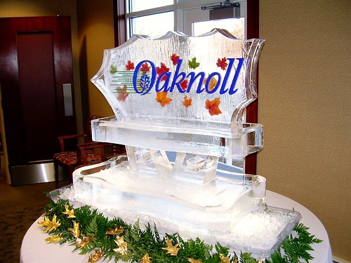 Oaknoll Seafood Station ice sculpture