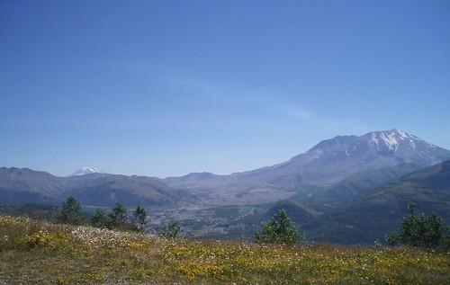 mt st helens ja mt rainier