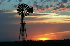 Oklahoma Sunset - explore (Marvin Bredel) Tags: sunset sky sun oklahoma windmill clouds bravo explore kingfisher marvin naturesfinest beautifulcapture marvin908 bredel marvinbredel