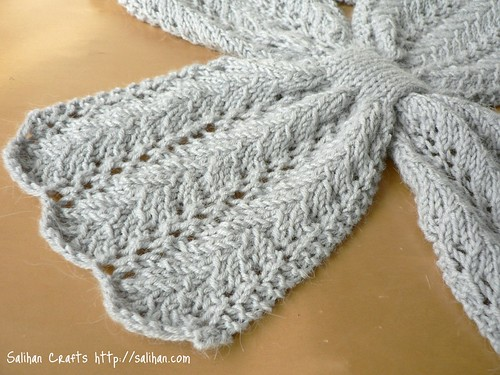 Lace Keyhole Scarf (close-up)