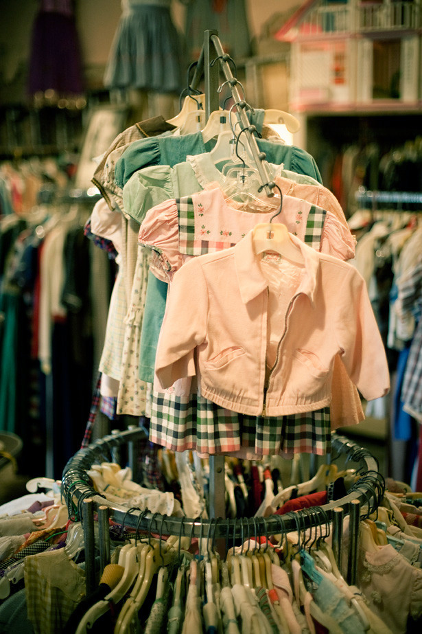 Bon Ton kids clothes circle rack