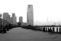 New-York (Carole Michaud / Camirio) Tags: bw newyork building us nb promenade hudsonriver blackdiamond camirio carolemichaud fantasticcity