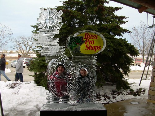 Bass Pro Shops Photo Op. 2 ice sculpture