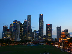 Singapore CBD (at 7pm) (Click Cluck) Tags: centralbusinessdistrict singaporeskyline 7sep07