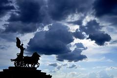 Piazza Venezia desde lo alto (Gonzalo 95) Tags: italy espaa naturaleza rome roma nature beautiful canon spain nikon flickr italia nubes piazzavenezia nikon best photo fox megan d5000 gonzalod5000