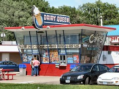 Vintage DQ (altfelix11) Tags: minnesota fun historic icecream 1950s americana neonsign endangered dairyqueen modernarchitecture roseville vintagesign historicbuilding vintageneonsign roadsidearchitecture midcenturymodernism endangeredbuilding preservationallianceofminnesota