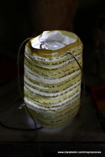 Manualidades: Lámparas o farolillos con botellas recicladas.