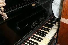 P1120091 (Luigi Sani) Tags: piano musica antiquariato antico noce epoca antichit pianoforte mobili settecento arredo ottocento pianoforteverticale