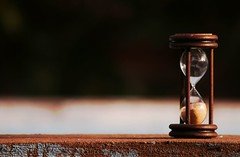 Chau nmero tres (photographer padawan *(xava du)) Tags: wood brown white black macro texture textura love clock blanco argentina sand dof time negro 123 arena reloj cemento marron