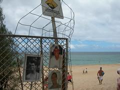 ehukai beach, pipeline memorial (emilychang) Tags: trip beach hawaii oahu northshore trip2 banzaipipeline