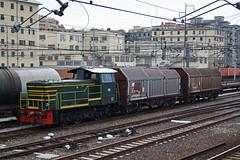 D245.2012 (Maurizio Zanella) Tags: italia trains genova railways fs trenitalia treni ferrovie shimmns sampierdarenasmistamento d2452012