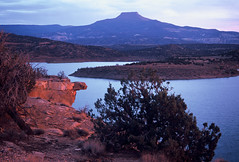 The Pedernal: Abiquiu Reservoir, New Mexico (NM) (Floyd Muad'Dib) Tags: new plants usa mountain lake plant mountains newmexico southwest water rio america river geotagged mexico us unitedstates dam united north lakes reservoir rivers vegetation northamerica states nm northern chama mesa americanwest mesas abiquiu dams okeeffe pedernal reservoirs georgiaokeeffe westernusa abiquiureservoir riochama northernnewmexico chamariver abiquiunewmexico abiquiunm