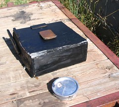 Solar cooker closed
