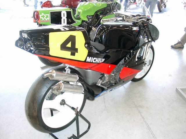 Machines de courses ( Race bikes ) - Page 2 698183976_80752beb2a_o